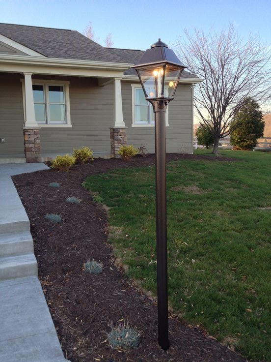 Front Yard Lamp Post Home Ideas